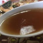 103825350 - 濃い濃い、醤油パンチのスープです。