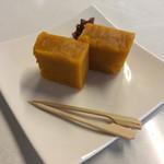 喫茶 モノコト - おかぼ羊羹(税込 350円⇒セットで300円)評価=○ 自然な甘さのカボチャの羊羹です。