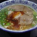 103831058 - 蘭州牛肉麺(880円)