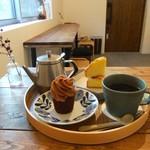 コトリベイク - 料理写真:モンブラン&ビクトリアケーキ。