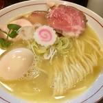ナマイキ ヌードルズ - 料理写真:特上鶏塩白湯  980円
