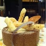 一六珈琲店 - アーモンドチョコロールケーキ