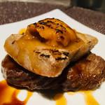 オリーブ - 牛ロースとまぐろトロの串アヒージョ 炙り雲丹のせ