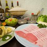 大新 - 山原産の島豚を使用したしゃぶしゃぶと特製鍋の2コースあります!忘・新年会にどうぞ!