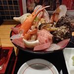 魚菜屋 - 能登の美食丼と手取川純米大吟醸本流