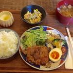 Arco - 鶏もも肉の味噌漬け焼き ¥800(税込)