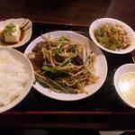 上海麺餃王 - レバニラ炒めセット 680円