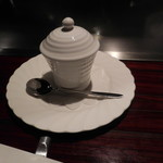 六本木モンシェルトントン -  フォアグラ入りの茶わん蒸しの器です。