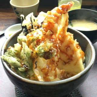 道の駅「信州蔦木宿」てのひら館 - 料理写真:2度めの温泉セットは天丼で・・