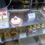 近江屋洋菓子店 - ショーケース
