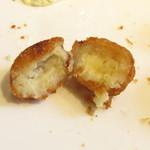 ウィン・ウィン - サービスのチーズコロッケ