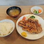 とんかつ とんき - 料理写真:ロースかつ定食 1,430円