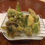 Kaisenyakaishimmaru - 春野菜の天ぷら盛り