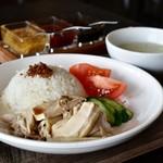 あなたの心に残る シンガポール キッチン&バーHOLIC - チキンライス M@1,000円