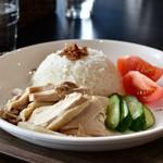 あなたの心に残る シンガポール キッチン&バーHOLIC - チキンライス M@1,000円:別角度で。