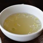 あなたの心に残る シンガポール キッチン&バーHOLIC - 【チキンライス M@1,000円】スープ