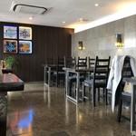 あなたの心に残る シンガポール キッチン&バーHOLIC - 店内