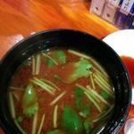 鮨屋とんぼ - 赤出汁
