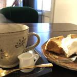 Cafe Chienomi - 春味とアールグレイのシフォンケーキ