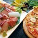 じゅて-む - 料理写真:旬のお刺身と生地から手作りのオリジナルピザ