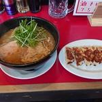 301餃子 - 2019年3月 エビ味噌ラーメン+焼ギョウザ(セットメニュー) 800+100円