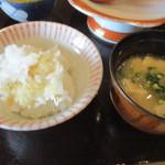 親和苑 - 羽釜で炊くご飯