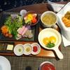 ホテル龍名館 - 料理写真:☆☆☆洋食  7〜10時まで お部屋に 運んでいただけます 〜❣️ サラダ フレッシュです    パンも 熱々