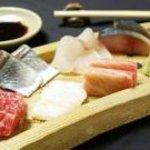 信 - 厳選された旬の魚  1人前1,000円~。(※写真は2人前)