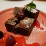 ブッチャー・リパブリック 仙台 シカゴピザ & ビア - ダークチェリーとチョコレートブラウニー