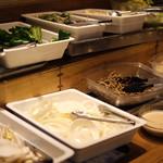 和牛焼肉食べ放題 肉屋の台所 - 野菜も食べ放題