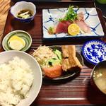 レストラン岬 - 刺身定食。 ご飯ふっくらで美味しかった!