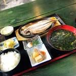 藍ヶ江水産 地魚干物食堂 - 料理写真: