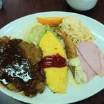 洋食マルヤ - Sランチ(メイントンカツ)
