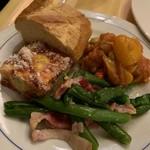 イタリア料理屋 タント ドマーニ - 前菜のインゲン、オムレツ、カポナータ
