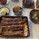 川清 - 料理写真:特うな重、肝吸い、漬物、おでん(おまけ)
