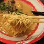 103941720 - 麺リフティング