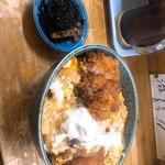 お惣菜さとう - 料理写真:特上カツ丼(ご飯少なめ)