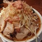 ラーメンつけ麺 笑福 - 豚みそラーメン(野菜マシカラメマシマシあとフトゥ)♪
