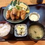 だるま - 料理写真:カキフライ定食1100円