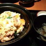 10395920 - 新潟の親子丼(1200円)、これに甘味とコーヒーがつきます!