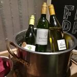 CABANA TERRACE - 飲み物カウンター 白ワインコーナー