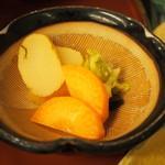 自然薯 茶茶 - とろろ御膳 山の香(お漬物)