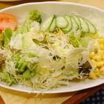 山小屋 - 野菜サラダ