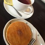 スマイルカフェ - 料理写真:パンケーキ、生クリーム付き嬉しい