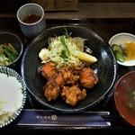北海道旨いもの居酒屋 ヤマノキ - 大山鶏のザンギ定食880円