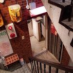 10396736 - お店へ降りる階段