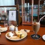 シナトラ - 料理写真:水出しコーヒーマシン(?)初めて見た!カッコイイ!