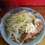ラーメン髭 - 料理写真:ラーメン 750円※ニンニク少し