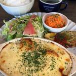 リルカフェキッチン - 料理写真:日替わりプレートランチ¥800 この日は「.チキンとポテトのグラタン」
