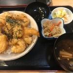 103973959 - えびプリッ天丼